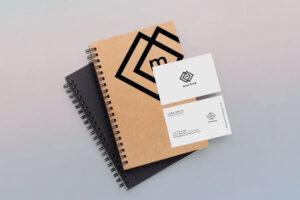 notebook e biglietti da visita